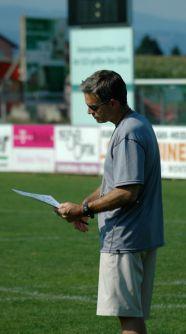 L. Legault head coach de l