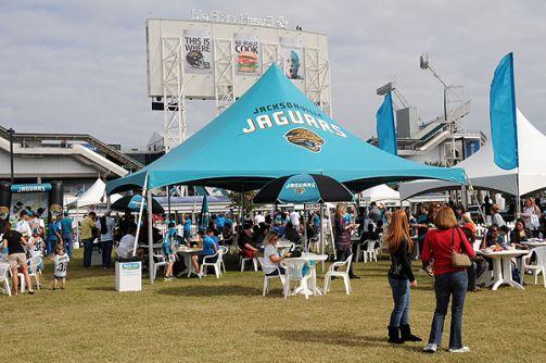 Le <a href='/nfl/jacksonville-jaguars'>Jaguars</a> village propose toute sortes d'activités avant le Kickoff