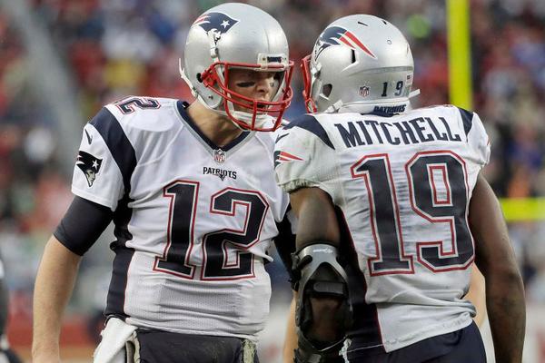 Brady et Mitchell assurent le succès des Patriots