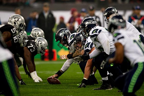 Raiders v Seahawks en 10 clichés