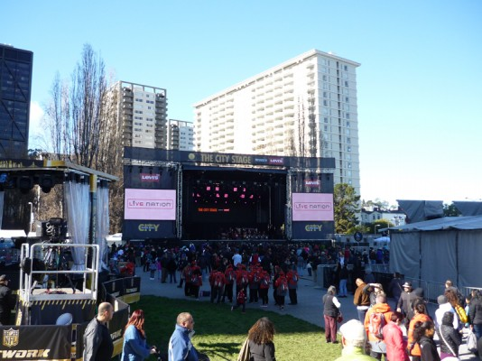 Scène de concert à Super Bowl City
